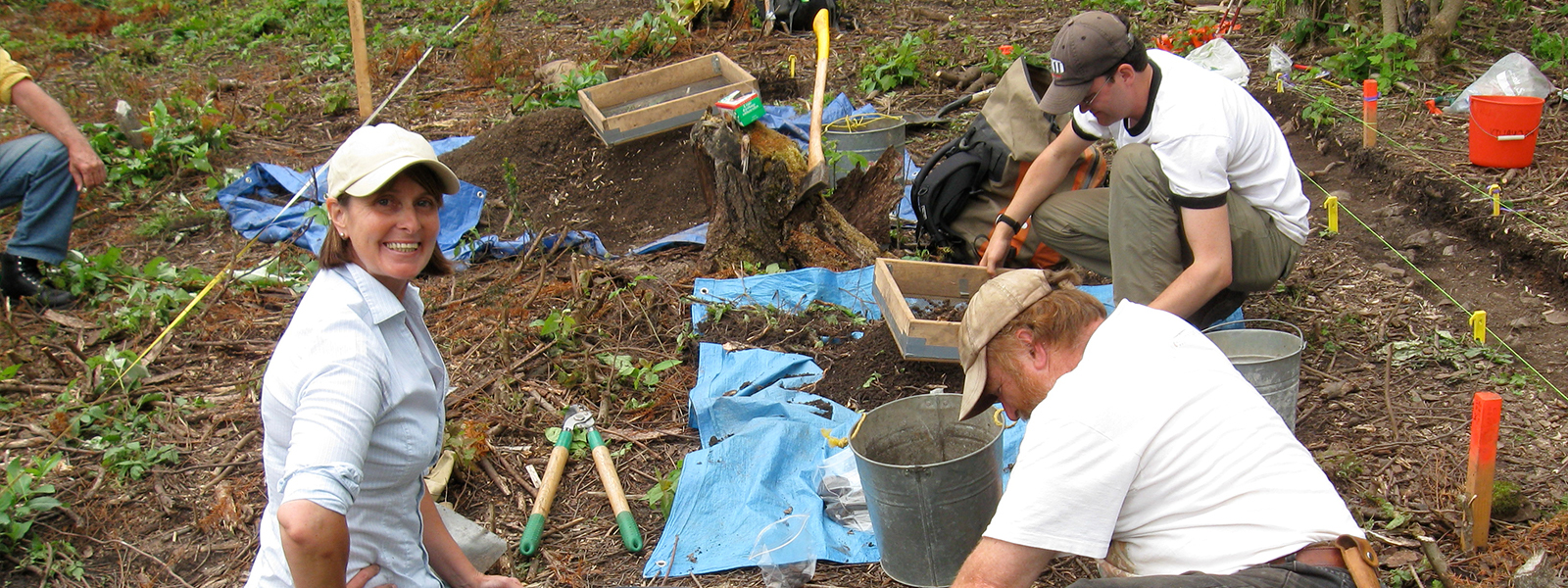 2009 excavations at Martin-Bird Site, Whitefish Lake, in Northwestern Ontario. The team investigates a large heating feature detected during a magnetic gradiometer survey conducted by Dr. Terry Gibson