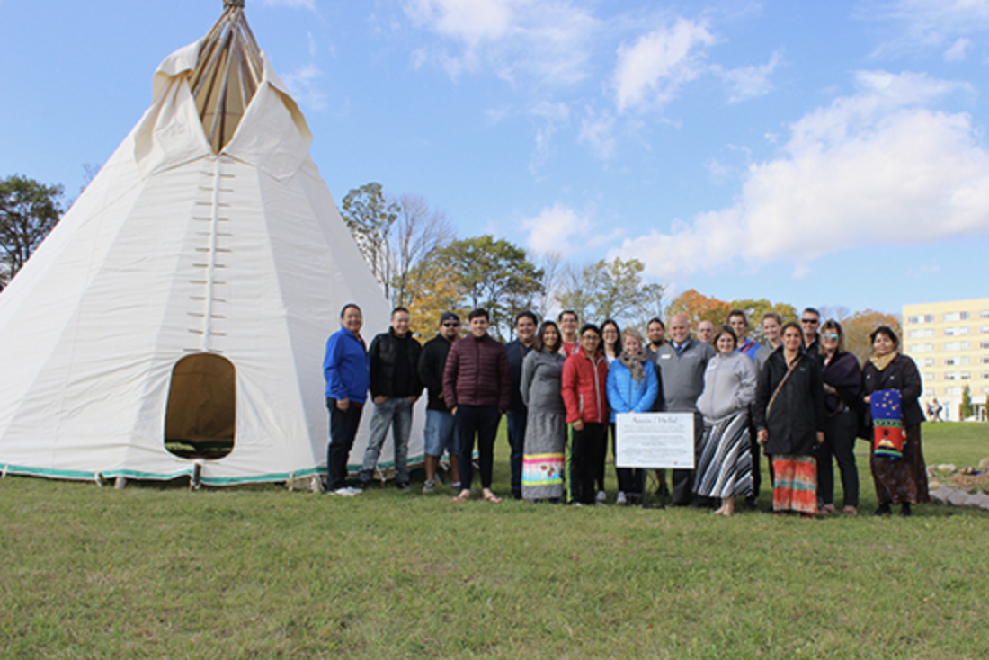 tipi raising ceremony group photo