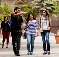 Students touring Lakehead campus