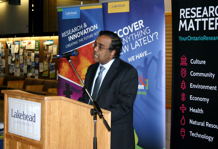 Dr. Krishnamoorthy Natarajan, Acting Dean of Engineering, helped launch Research and Innovation Week on Friday, Feb. 28.